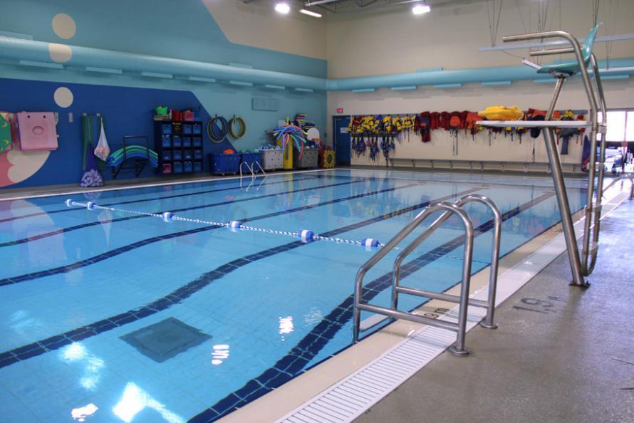 piscine de l 39 cole marie rivier c gep saint jean sur